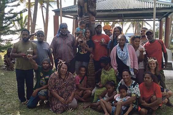 Le Ceméa Pwärä Wäro de passage à Nengone