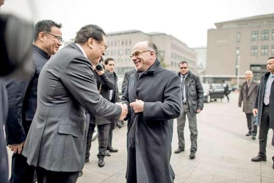 Cazeneuve demande à la Chine de s'ouvrir  davantage aux produits français