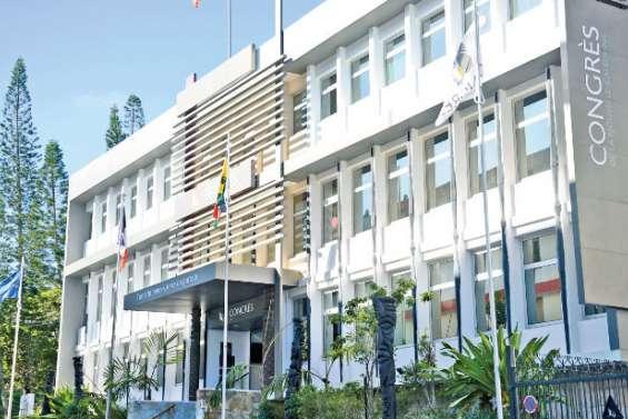 Le Congrès donne un avis favorable pour l'utilisation du drapeau tricolore mais pas pour la date