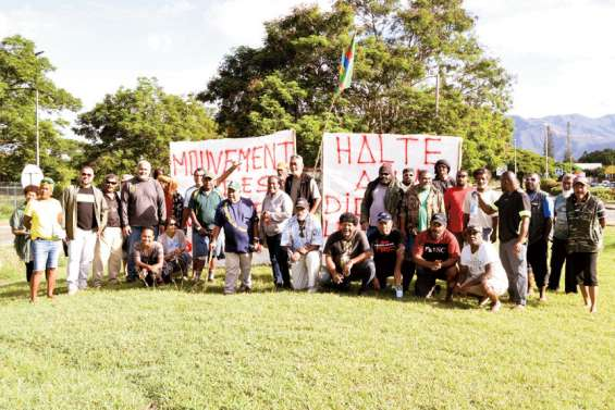 Les coutumiers de Païta ont manifesté à La Tontouta