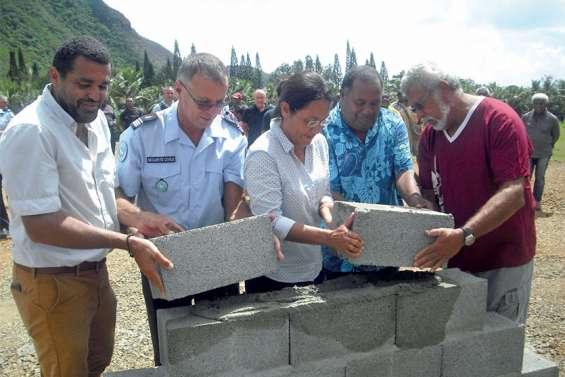 Houaïlou a posé la première pierre de son centre de secours