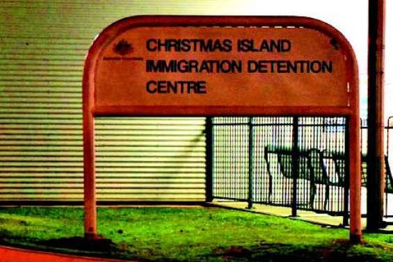 L'Australie ferme le centre de détention de réfugiés de l'île Christmas