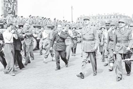 Le monde politique rassemblé autour du mythe De Gaulle