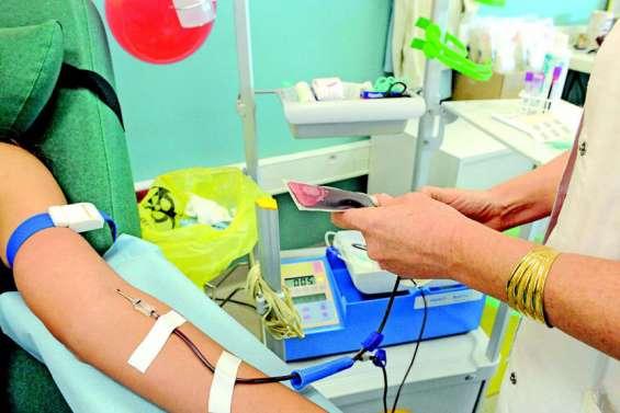 Le don du sang par les homosexuels demeure impossible