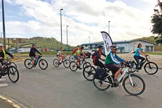 Droit au vélo réclame un aménagement sécurisé du rond-point de Belle-Vie