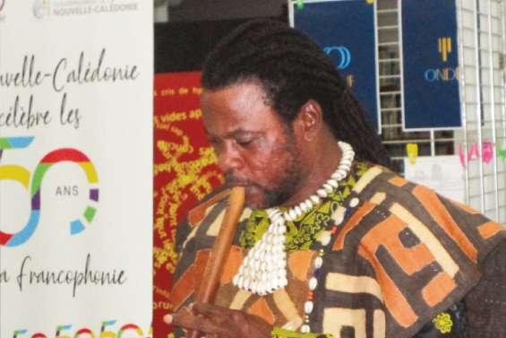Un musicien congolais bloqué en Calédonie depuis mars