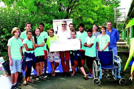 Les jeunes inventeurs du collège récompensés par un gros chèque
