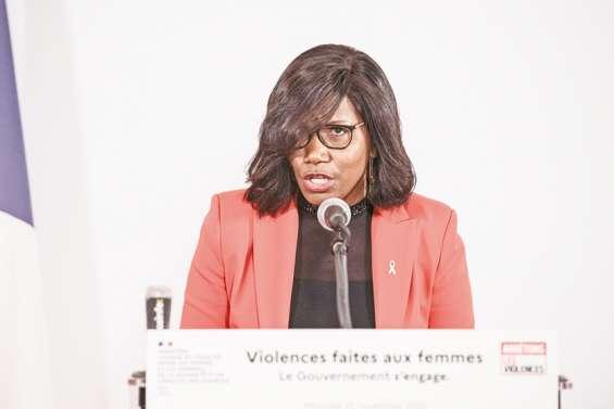 Violences conjugales : le gouvernement souligne les avancées du « Grenelle »