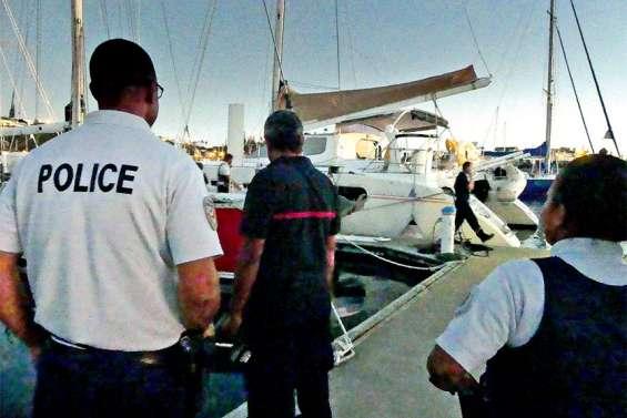 Un enfant de 10 ans grièvement blessé par un requin en baie de l'Orphelinat