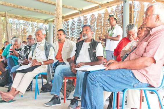 L'enseignement en débat sur les îles Loyauté