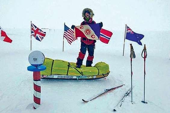 Il traverse l'Antarctique en solo et sans assistance