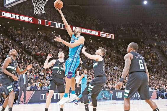 A Paris, les fans de NBA goûtent un morceau de rêve américain