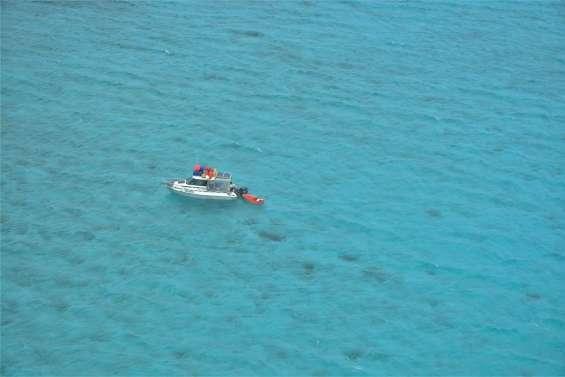 Un pêcheur d'holothuries secouru dans le grand lagon nord