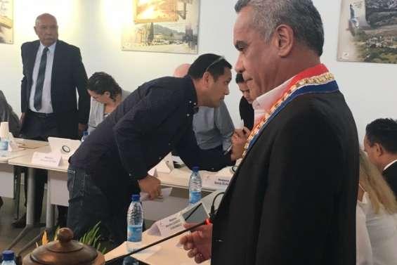 Willy Gatuhau largement réélu maire de Païta