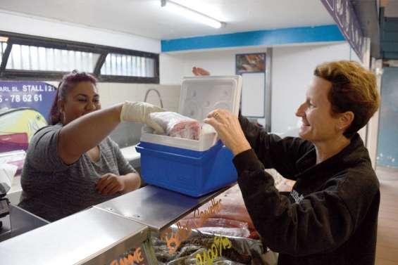 [VIDÉO]Fin des sacs en plastique : à chacun sa solution