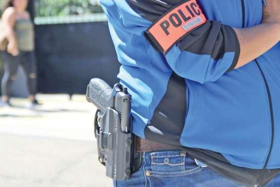 Maré : le policier s'est blessé avec son arme de service, deux personnes en garde à vue