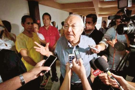 La justice refuse l'inscription de Gaston Flosse pour les municipales