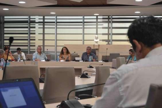 Dumbéa : les élus réunis pour le débat d'orientations budgétaires