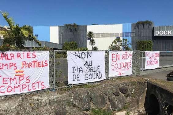 Les entrepôts du groupe Hayot bloqués à Magenta