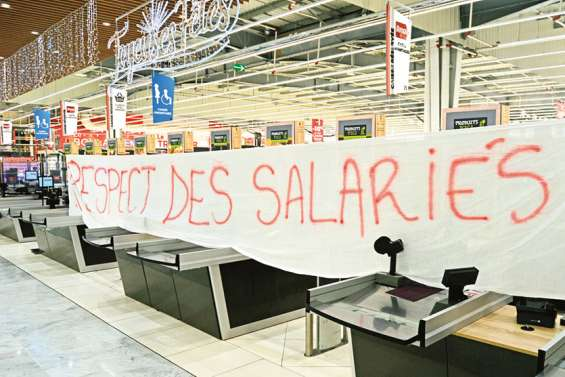 Mouvement de grève au Géant de Dumbéa Mall