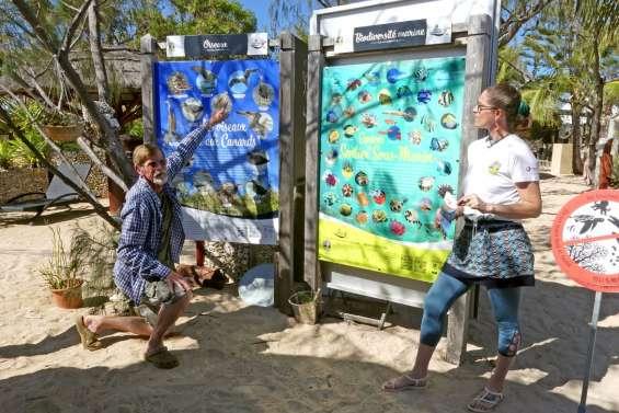 Les habitants de l'île aux Canards se présentent aux visiteurs