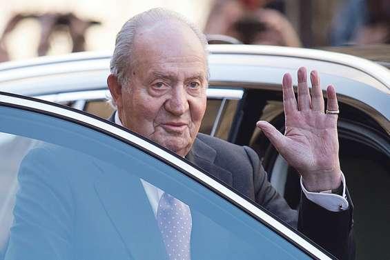 Soupçonné de corruption, l'ex-roi Juan Carlos s'exile