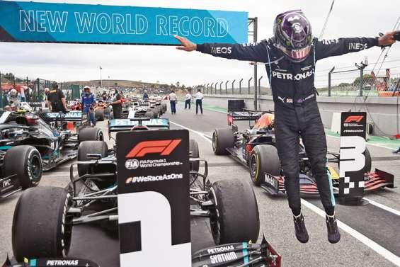 Lewis Hamilton s'envole