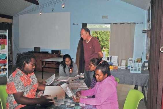 De jeunes Loyaltiens viennent en aide au Vanuatu