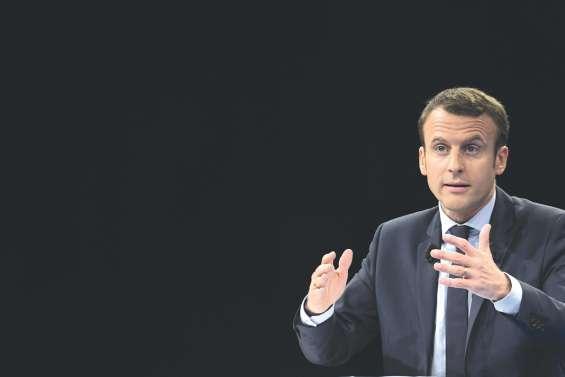 Macron tient son premier grand meeting