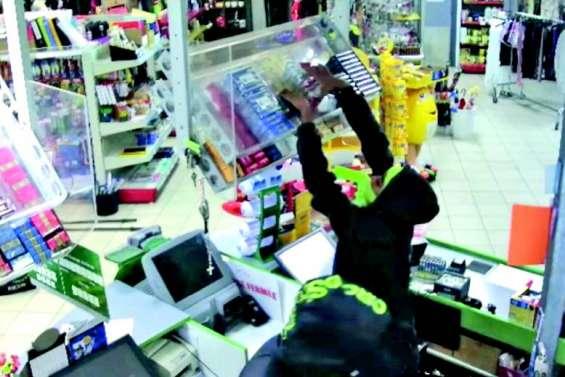 De nouveaux magasins victimes de cambriolages ultrarapides