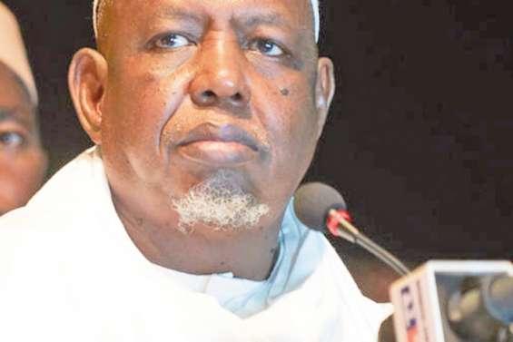 L'imam Mahmoud Dicko au centre de l'échiquier malien