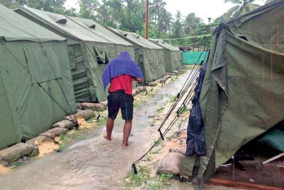 Les camps de Manus, manne convoitée