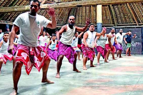 Mau Mau, les danseurs guerriers de Futuna