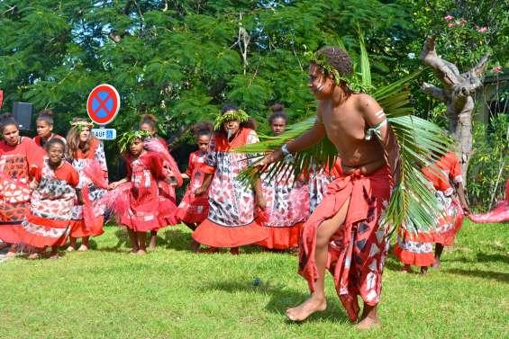 Mont-Dore : les communautés mélanésiennes se donnent rendez-vous au Pont-des-Français