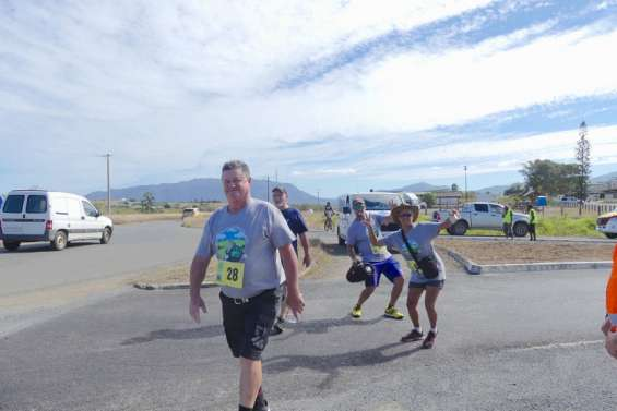 Un mini-marathon au petit trot entre Koné et Pouembout