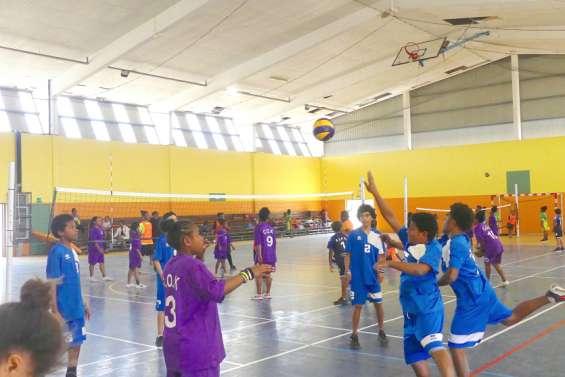 Les jeunes volleyeurs du Nord en tournoi