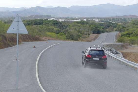 La nouvelle route provinciale qui mène au lycée Michel-Rocard est ouverte