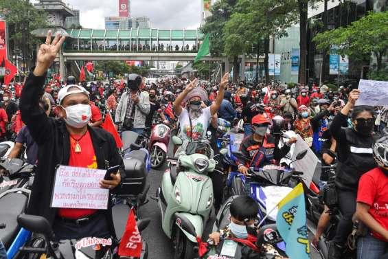 À Bangkok, des milliers de manifestants dans les rues