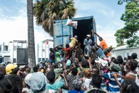 Une semaine après le séisme, Haïti reste confronté à l'urgence vitale
