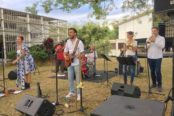 Mana en balade musicale au centre culturel Pomémie