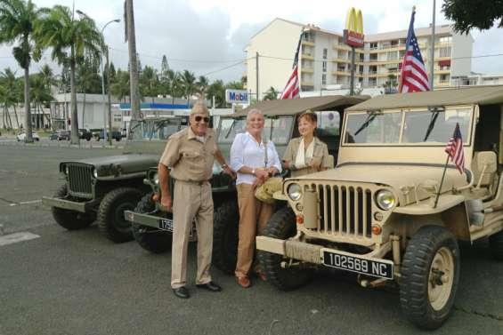 Exposition de Jeeps au monument américain