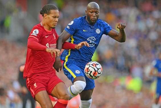 Chelsea tient tête à Liverpool