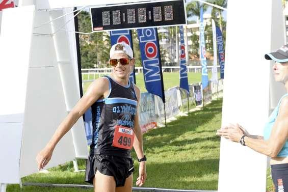 Bastien Rouzoul devanceMathieu Szalamachasur le semi-marathon