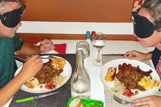 Boulouparis : une quinzaine de personnes au dîner à l'aveugle