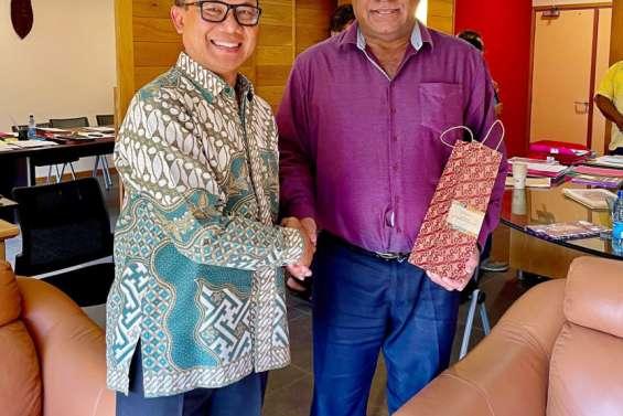 Le consul général d'Indonésie en visite