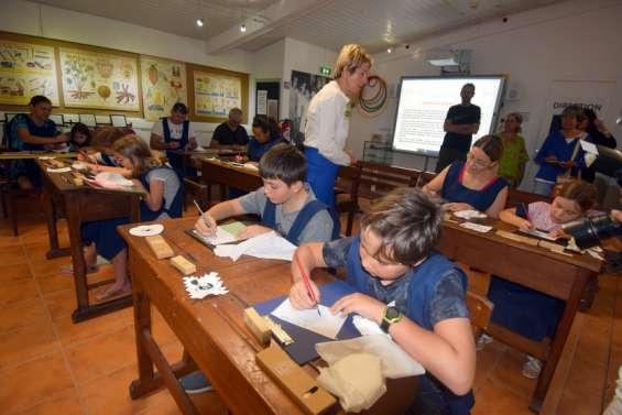 L'atelier écrire à la plume revient à 14 heures au musée de la ville de Nouméa