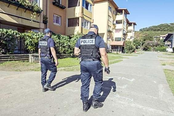 Faits divers : ils s'en prennent au bureau de police de Pierre-Lenquette, deux jeunes interpellés