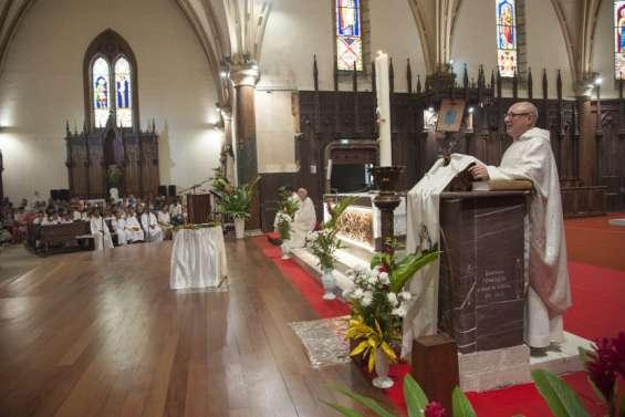 La messe de la cathédrale Saint-Joseph de Nouméa sur Facebook