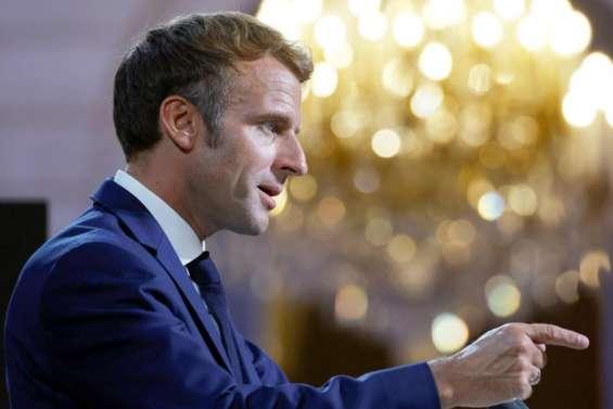 Handisport: Emmanuel Macron salue Pierre Fairbank