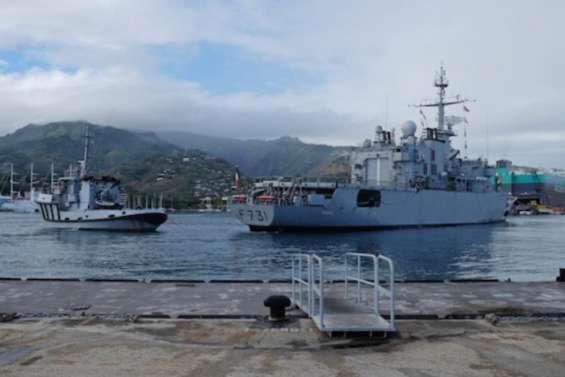 Le Prairial en manœuvres avec la Marine américaine